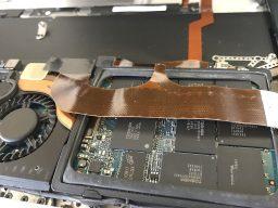 ジャンクなMacBook AirにSSDを取り付け